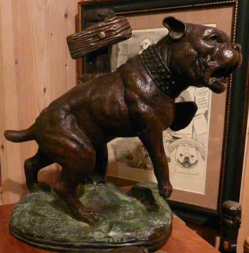 Bronze of tethered 18th century Bulldog.jpg (2518870 bytes)